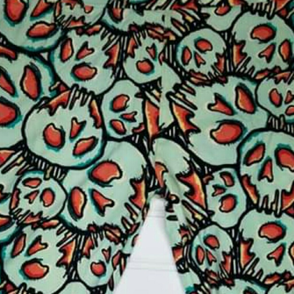 70068ef7d1fb76 LuLaRoe Pants | Rare Poison Apple Os New Leggings | Poshmark